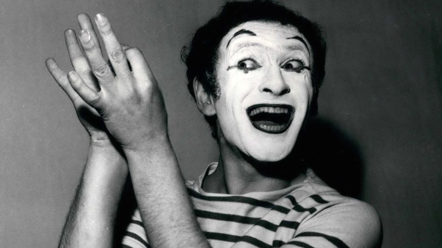 "Le Mime Marceau: ""Don't say a word!"""