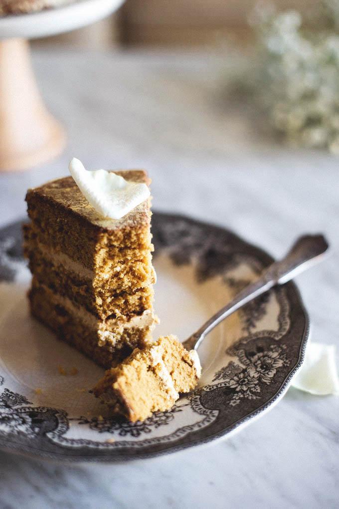 Salted-Honey-and-Orange-Blossom-Naked-Cake-8.jpg