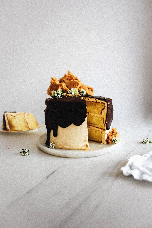 Golden-Butter-Cake-with-Pink-Sea-Salt-Caramel-and-Honeycomb-6.jpg