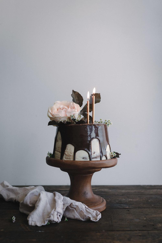 Gingerbread-Whisky-Cake-with-Brown-Sugar-Swiss-Meringue-Buttercream-and-Milk-Chocolate-Ganache-6.jpg