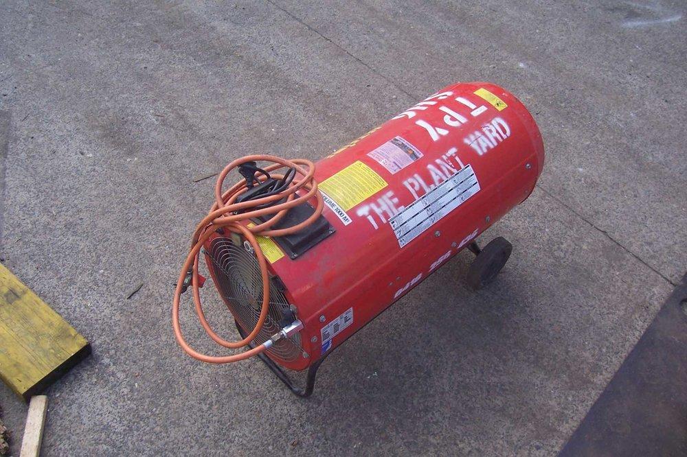 industrial outdoor heater hire.JPG
