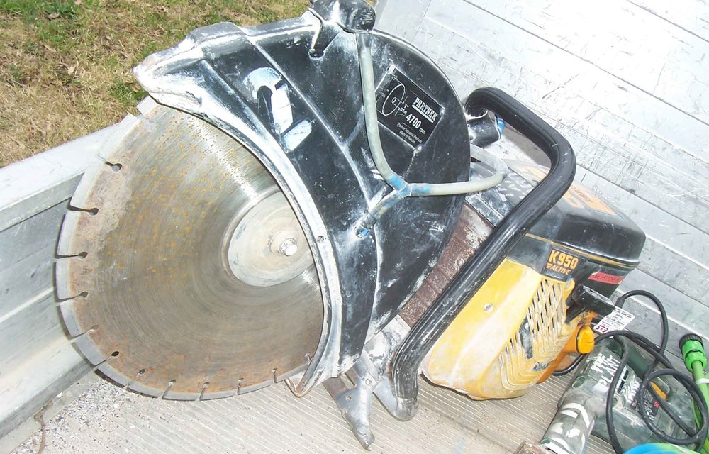 concrete saw hire.JPG