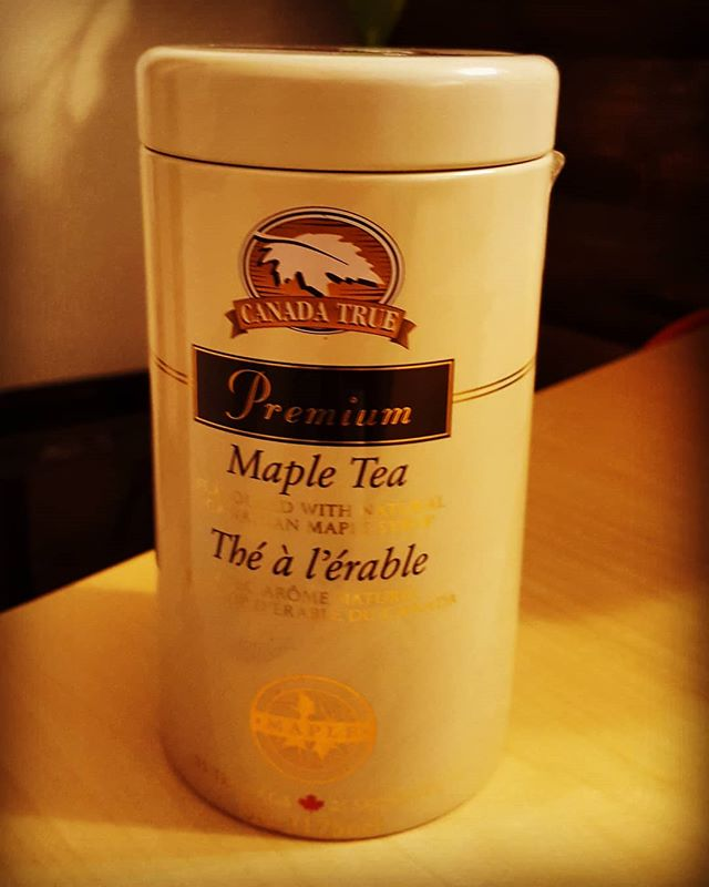 Chapman 先生 brought maple tea from Canada. Why don't you come and learn english conversation at our school?  #英会話 #高槻 #カナダ #英語