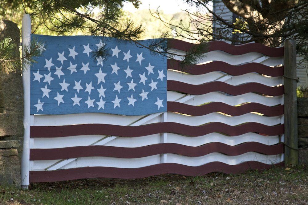 americanflagfence.jpeg