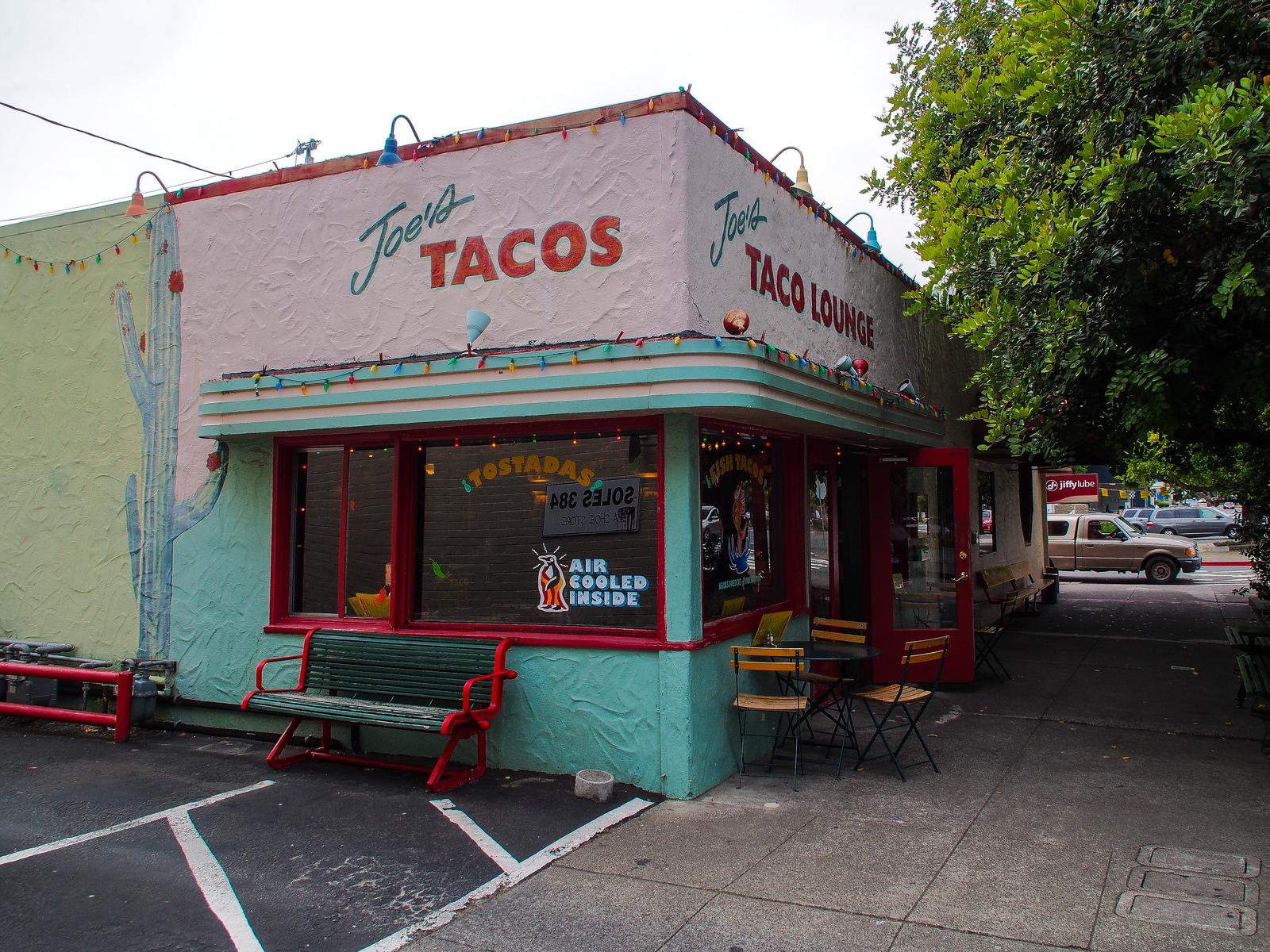 Joes Taco Lounge