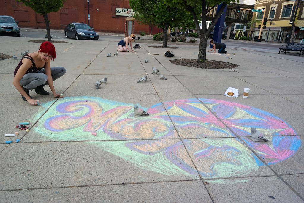 misfit-chalk-art