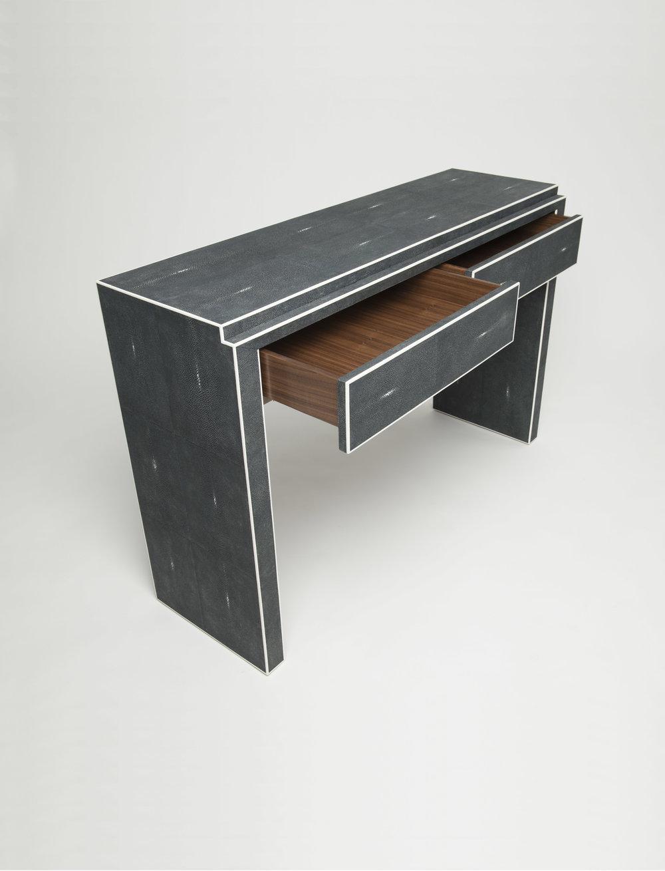 angle_drawers_open.jpg