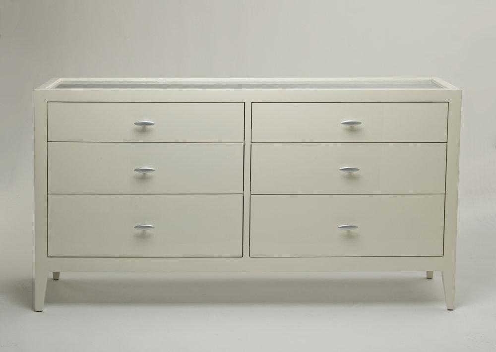 Felisse Dresser.jpg