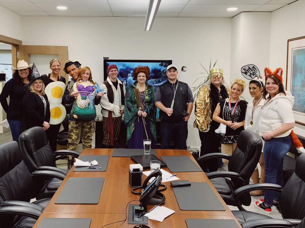 Bonnee, Betty, & the rest of the dressed-up Doty gang on Halloween