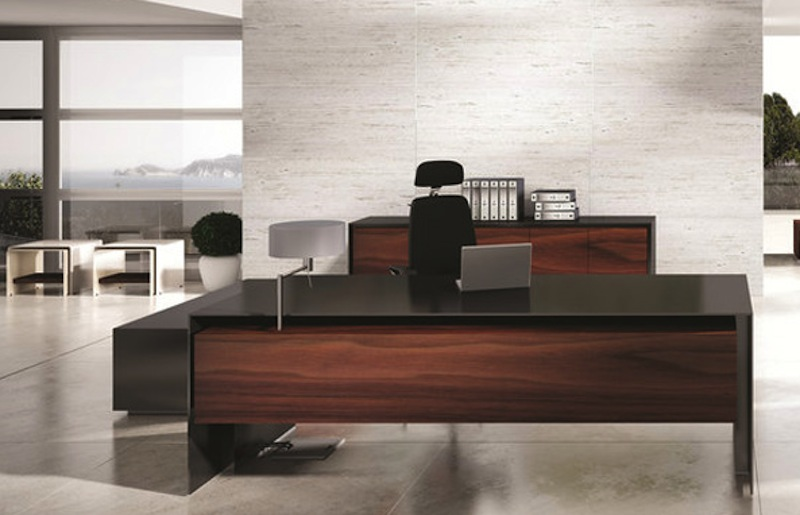 Massive-Executive-Desk.jpg