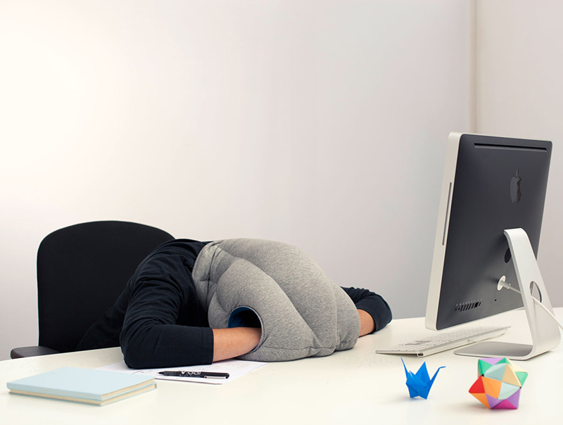 ostrich-pillow-portable-power-nap-micro-environment-2.jpg