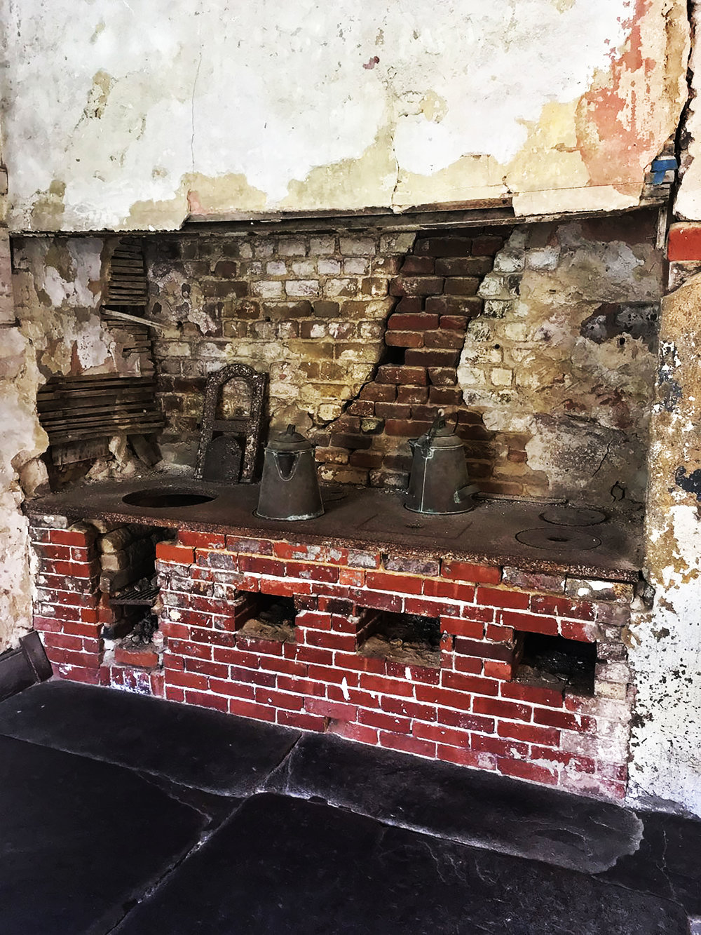 Aiken Rhett House Slave Quarters: Stove on first floor