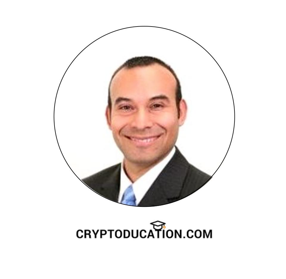 Roberto Sanabria, Senior Consultant -