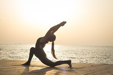 Nothing better than getting up first thing  mobilising, stretching, yoga.. Sets the body and mind as one.. 🙏🧘🏻♂️☯️ #fitbodyretreats
