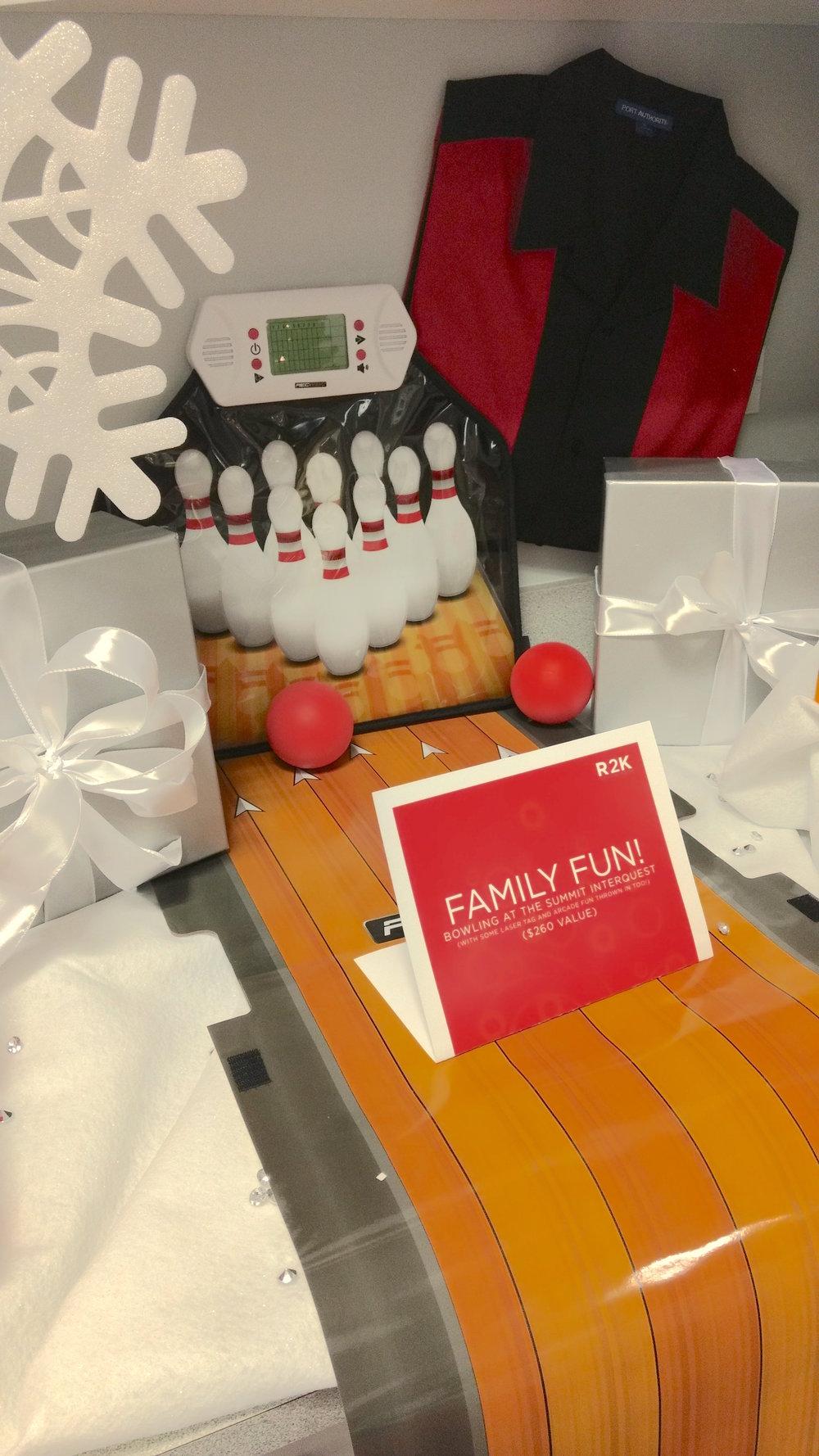 12-Bowling Gift Station.jpg