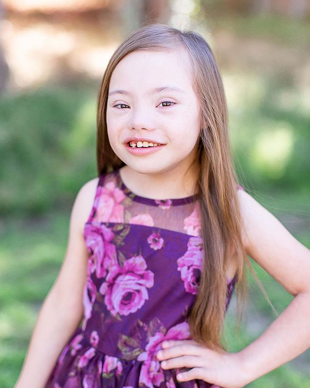 Celebrating #nationaldownsyndromeday  This is my sweet niece Reina! Our family is so grateful for her smiles, her hugs and kisses, and that she is apart of our lives and hearts. See my story for more of this sweet girl ❤️