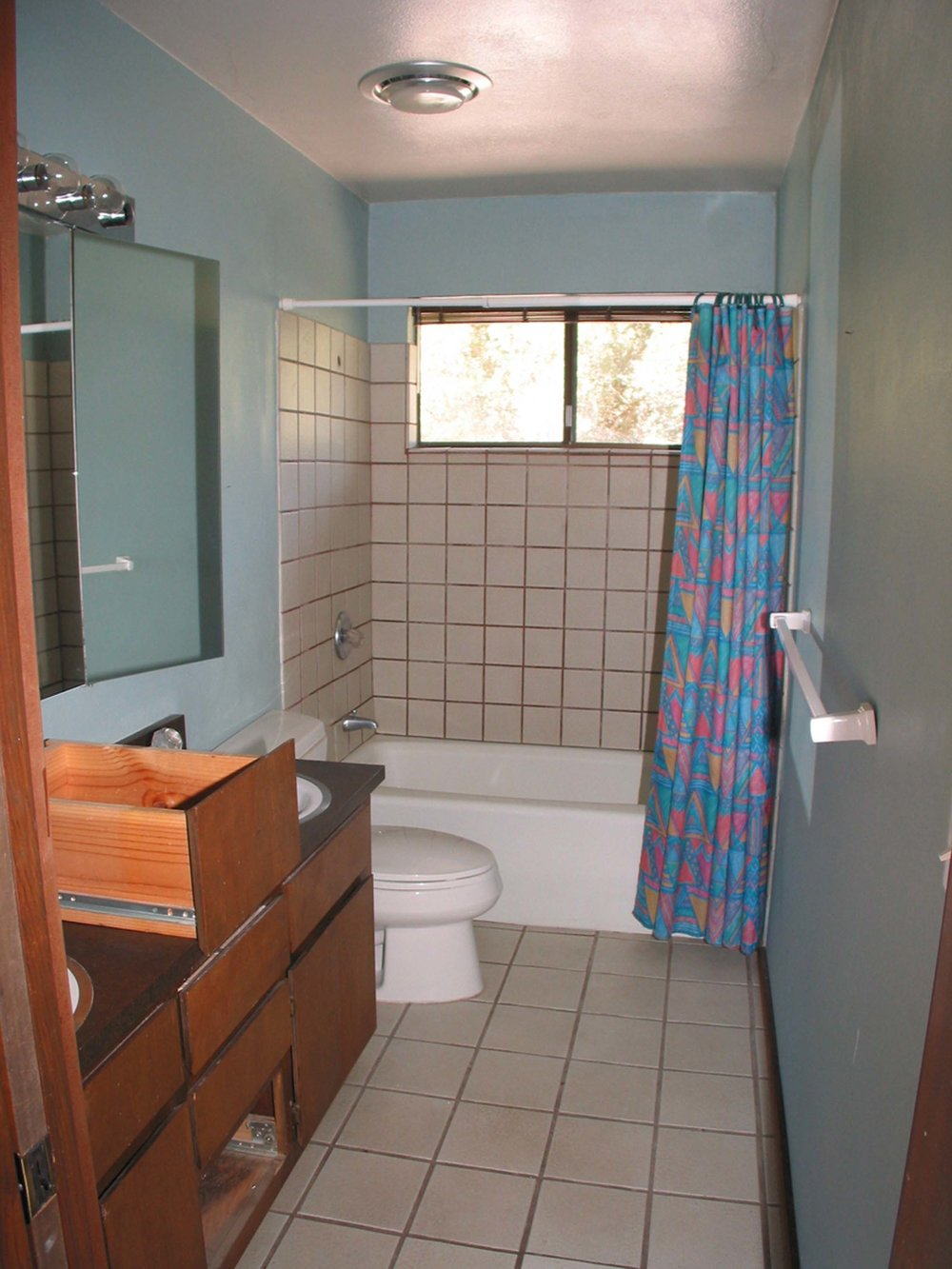 small bath1.jpg
