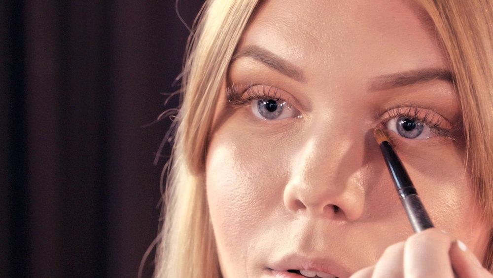 Makeup girl.jpg