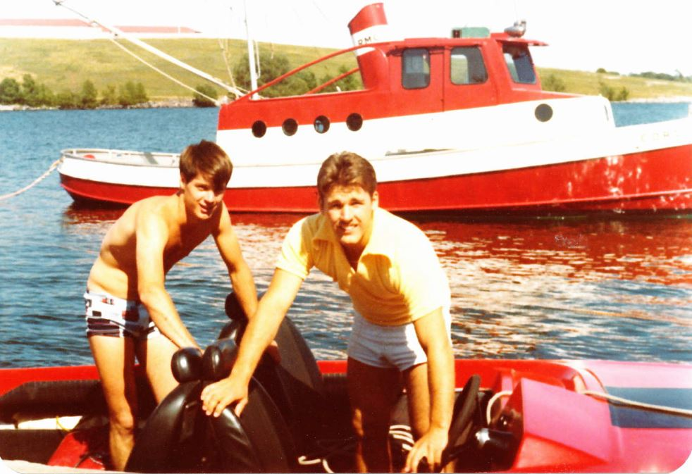pete avis and dave pullan about to do some water skiing. cordite boat in background