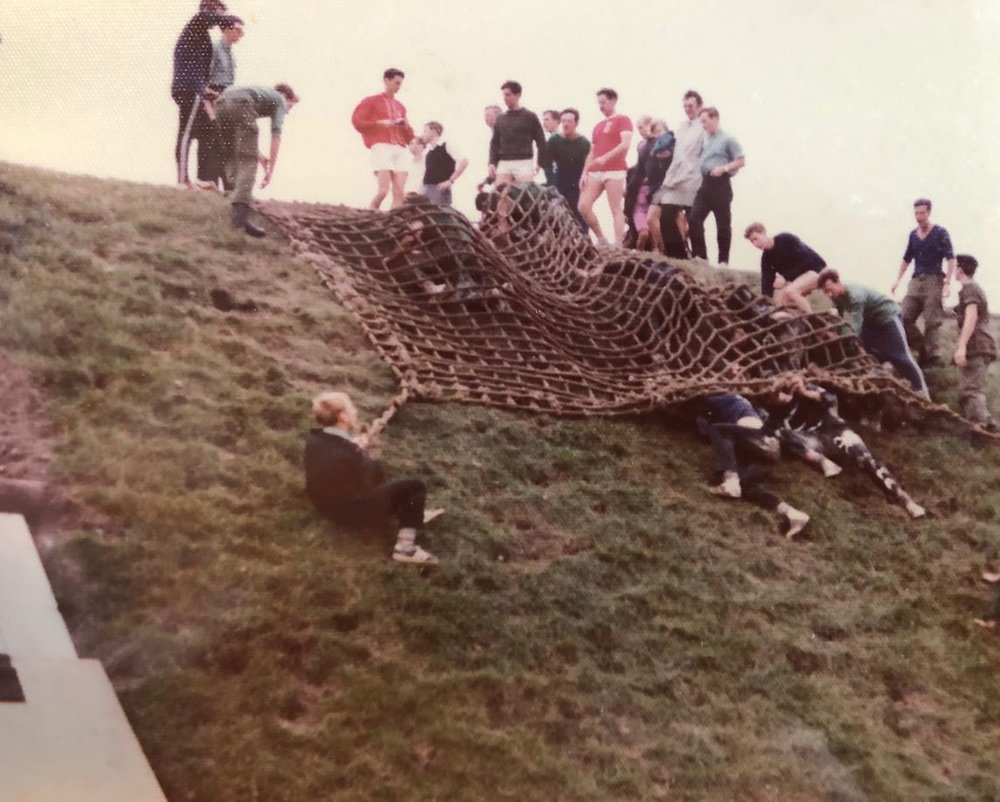 1 and 8 sqn recruits under the net