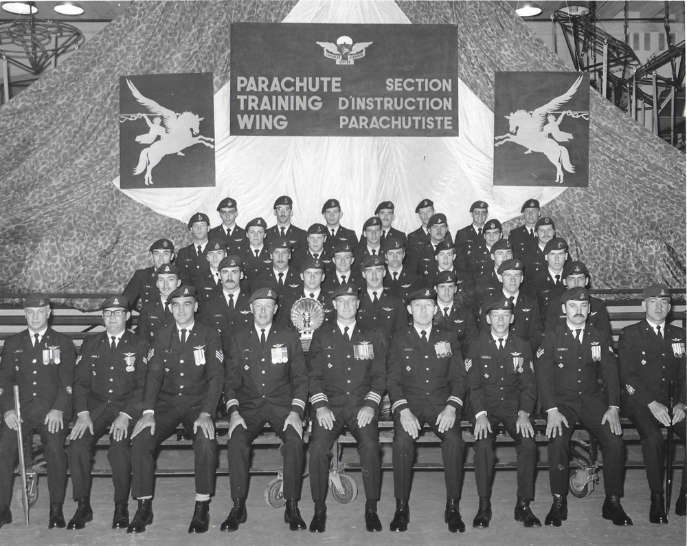 Back row 2nd from left: pierre linteau; back row: 2nd from the right: david fermor; third row: 3rd from the right: pierre ducharme;