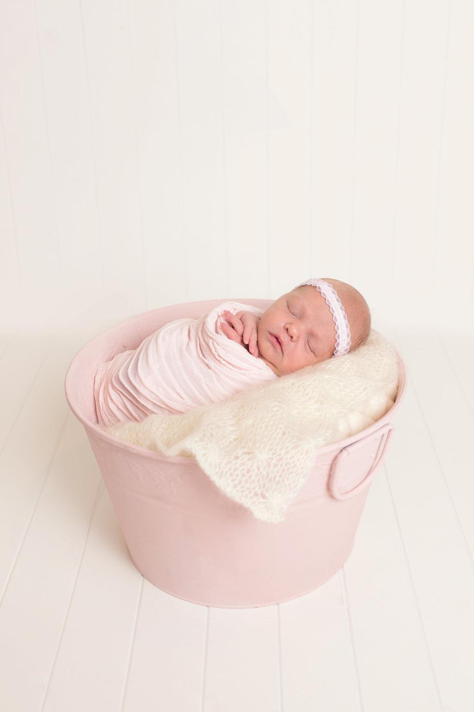 newborn Abigail Kalista  (34).jpg