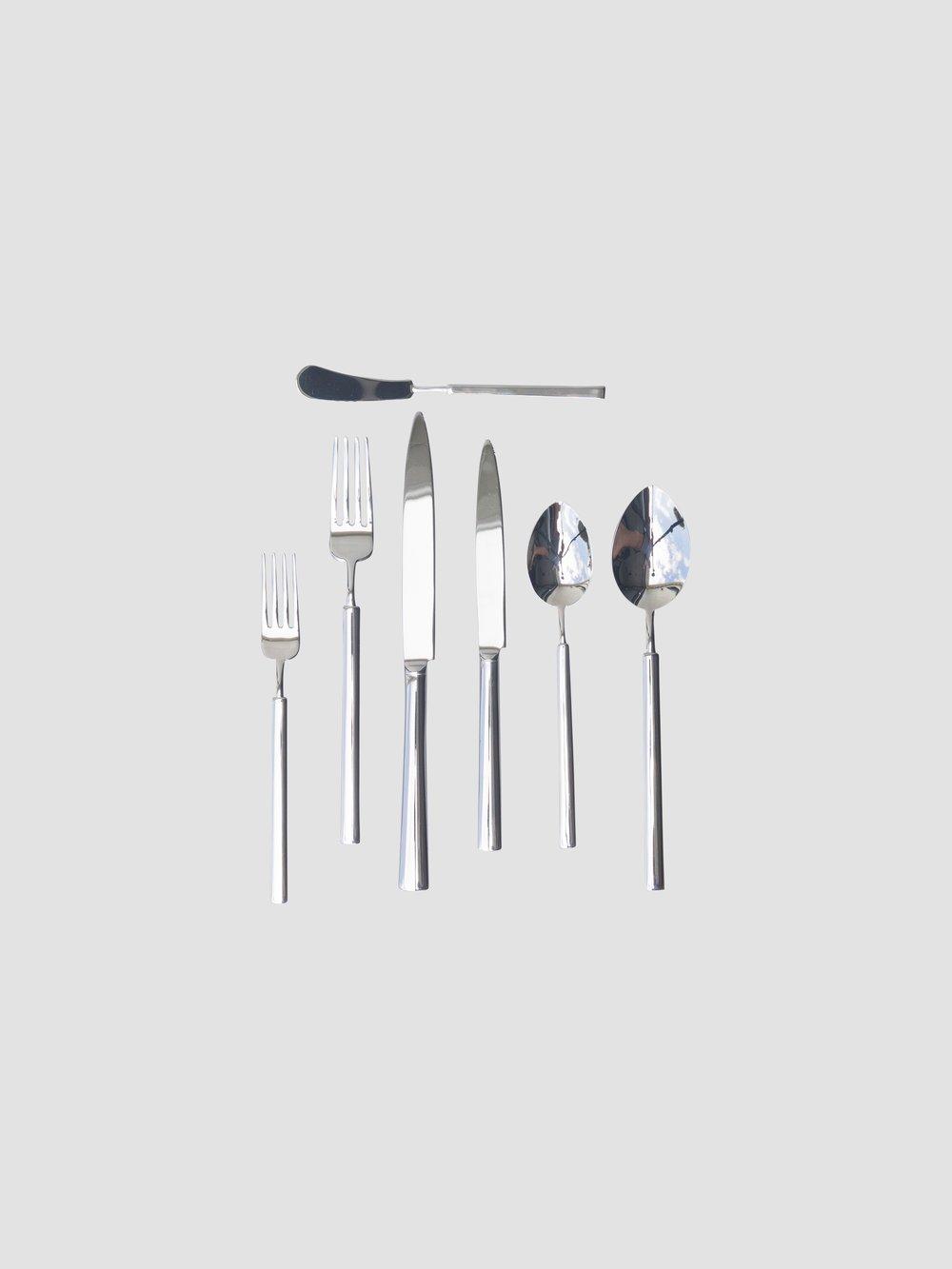 Butter Knife    Salad/Dessert Fork    Dinner Fork    Dinner Knife    Salad/Desert Knife    Teaspoon    Dinner Spoon