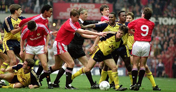 Arsenal-v-Manchester-United-brawl-1990.jpg