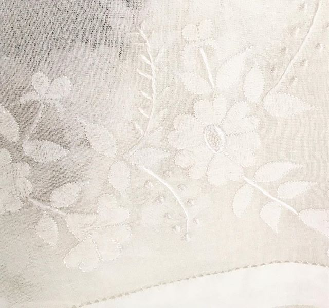 Shadow embroidery #whiteonwhite #handembroidery #embroideredweddingdress #silkweddingdress #gettingmarried #bridetobe #kerala #ethicalfashion #ethicalweddingdress #craft #bohobride #sustainablefashion #londonbrides