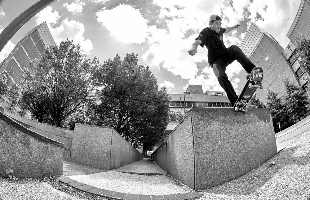 Skateboarding-12.jpg