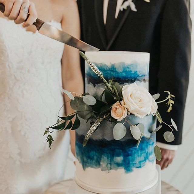 This cake is why we simply couldn't bring ourselves to make any resolutions about denying ourselves any sweets. Bring on the treats! . .  Photographer: @analyphoto Event Stylist: @anelaevents  Venue: @saintirenes  Florist: @novellatheoryevents  Stationary:@lettersanddust  Cake: @lisacakespdx  HMUA : @makemeblushmua Rentals: @petercorvallisproductions Gown: @blushbridaleugene  Jewelry: @miadonnadiamond Ribbons: @fortheloveoffloral . . . . . #weddingdetails #oregonweddingvenue #oregonbride #portlandvenue #bluewedding #authenticlovemag #tualitinwedding #weddingcake #muchloveig #portlandoregon #portlandwedding #pnwwedding #indiewedding #modernwedding #romanticwedding #loveandwildhearts #weddingdress #belovedstories #weddingreception #rehearsaldinner #pnwvenue #saintirenes #portlandoregonlife #saintirenesevents