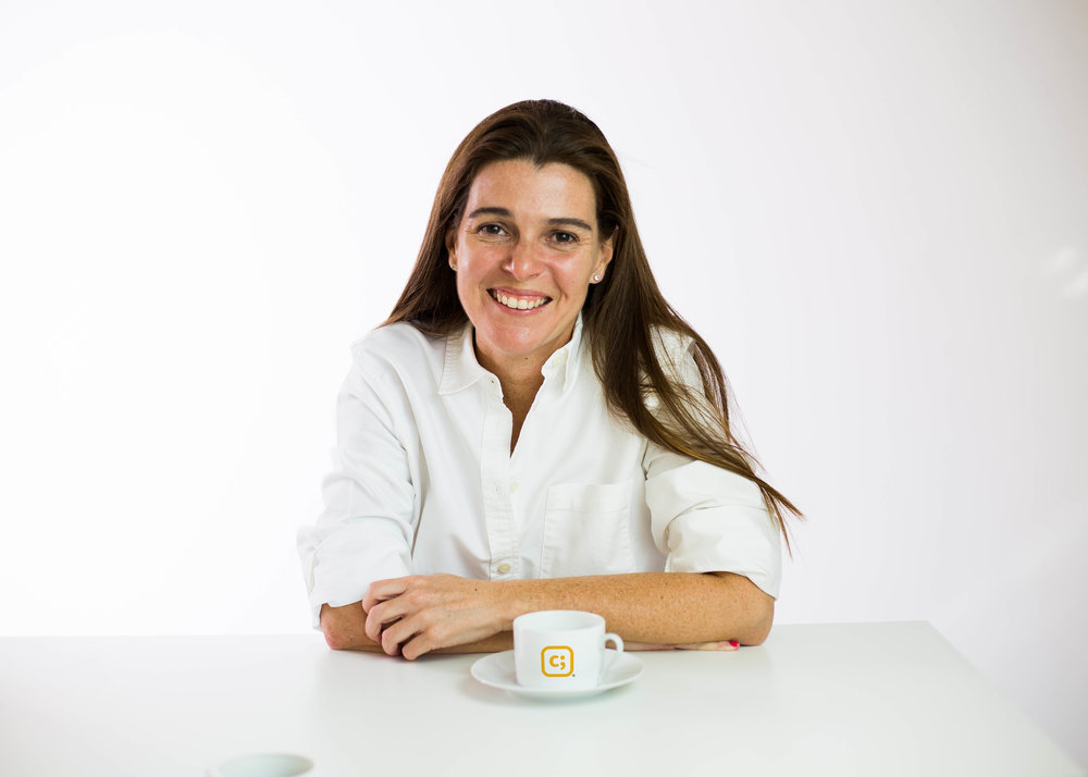 Soy Cristina Fortuny 🤗 - Vivo con pasión el compromiso de compartir Información, herramientas y estrategias para el buen uso de nuevas tecnologías, dirigido a padres comprometidos con la educación y seguridad de sus hijos.