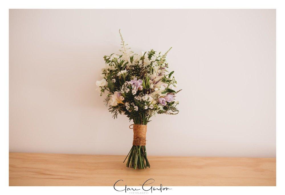 Wedding-Flowers-The-Rocks-NZ-Clare-Gordon-photography.jpg