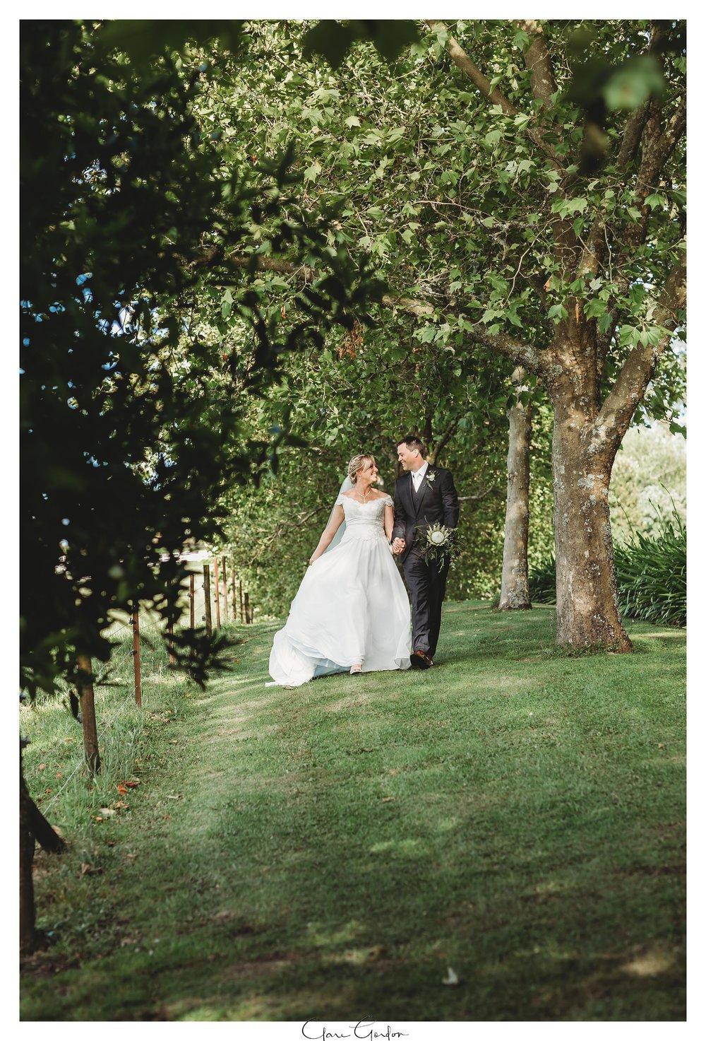 Eagle-Ridge-wedding-photo-bride-and-groom-portraitsTauranga (130).jpg