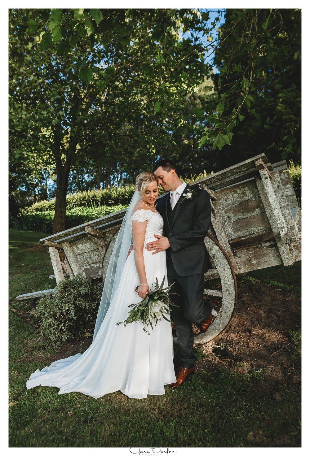 Eagle-Ridge-wedding-photo-bride-and-groom-portraitsTauranga (132).jpg