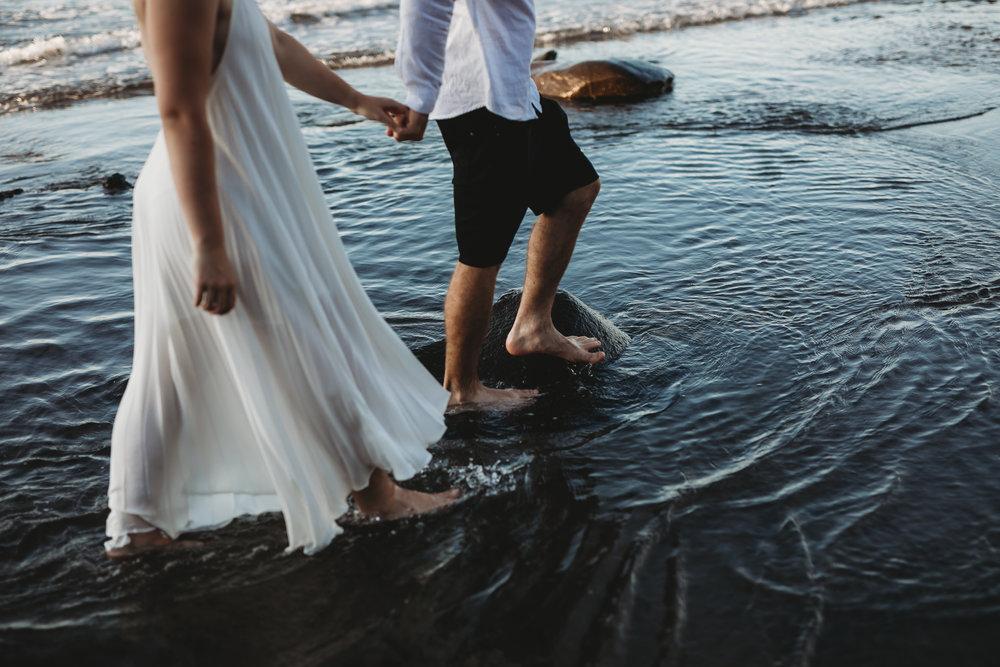Raglan-beach-couples-engagement-photo-shoot (57 of 79).jpg