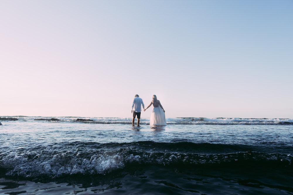 Raglan-beach-couples-engagement-photo-shoot (2 of 79).jpg