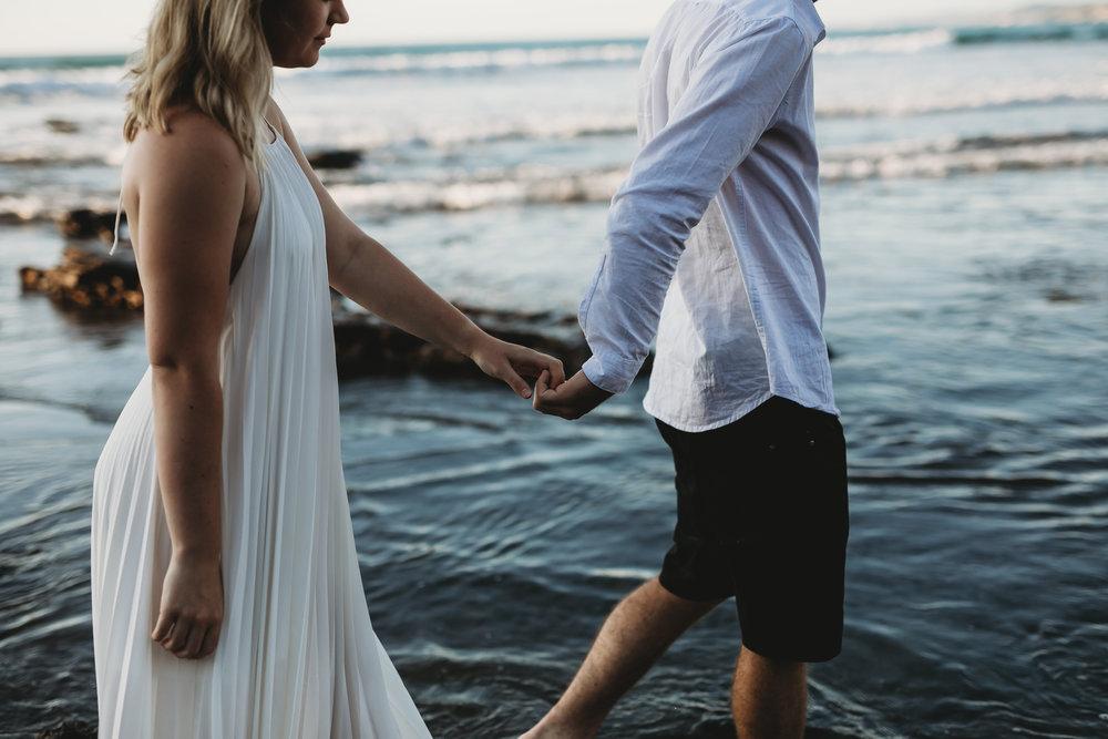 Raglan-beach-couples-engagement-photo-shoot (56 of 79).jpg