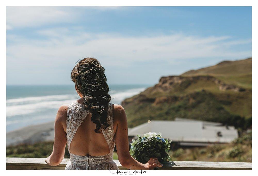 Castaways-resort-waiuku-Wedding-photos-Karioitahi-beach (44).jpg