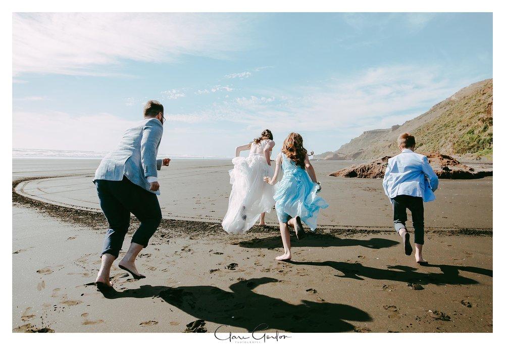 Castaways-resort-waiuku-Wedding-photos-Karioitahi-beach (91).jpg