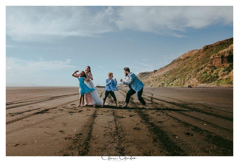 Castaways-resort-waiuku-Wedding-photos-Karioitahi-beach (104).jpg