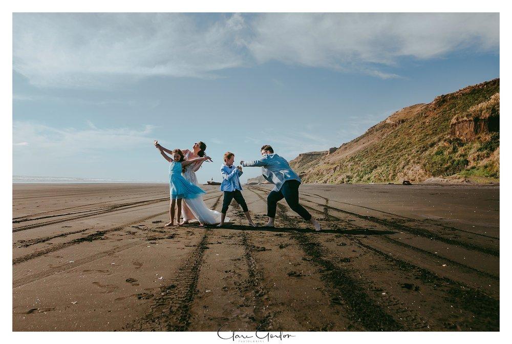 Castaways-resort-waiuku-Wedding-photos-Karioitahi-beach (105).jpg