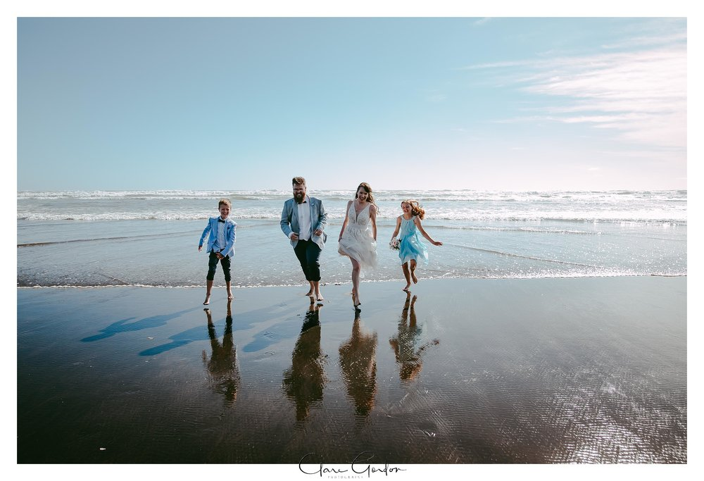 Castaways-resort-waiuku-Wedding-photos-Karioitahi-beach (96).jpg