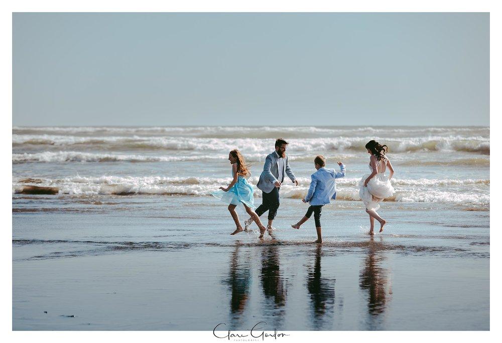 Castaways-resort-waiuku-Wedding-photos-Karioitahi-beach (111).jpg