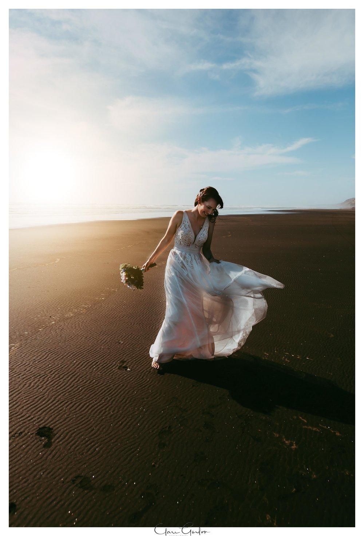 Castaways-resort-waiuku-Wedding-photos-Karioitahi-beach (108).jpg