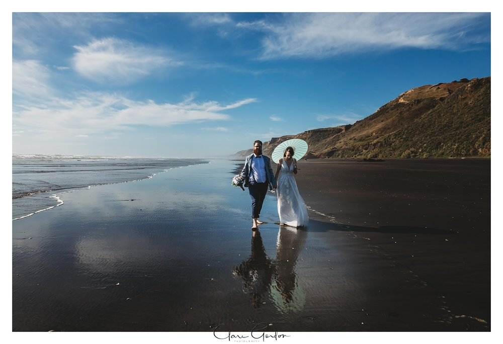 Castaways-resort-waiuku-Wedding-photos-Karioitahi-beach (110).jpg