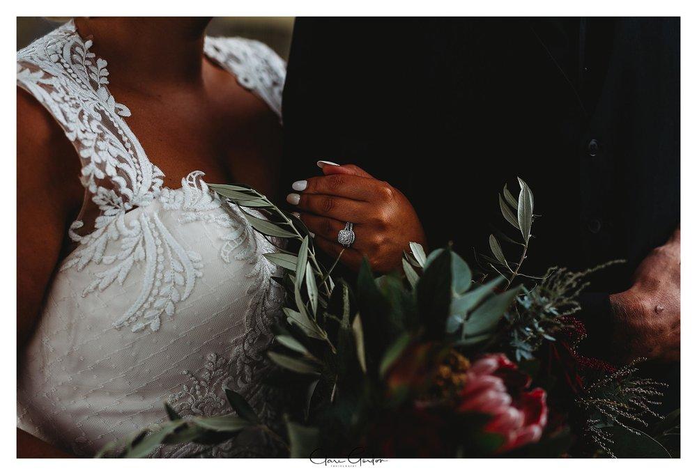 Red-Barn-wedding-photo