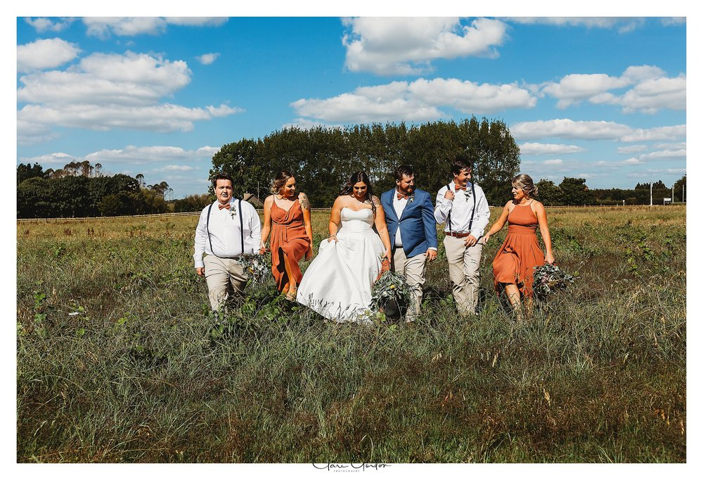 Bridal-party-photo-Coopers-function-center-waikato-wedding