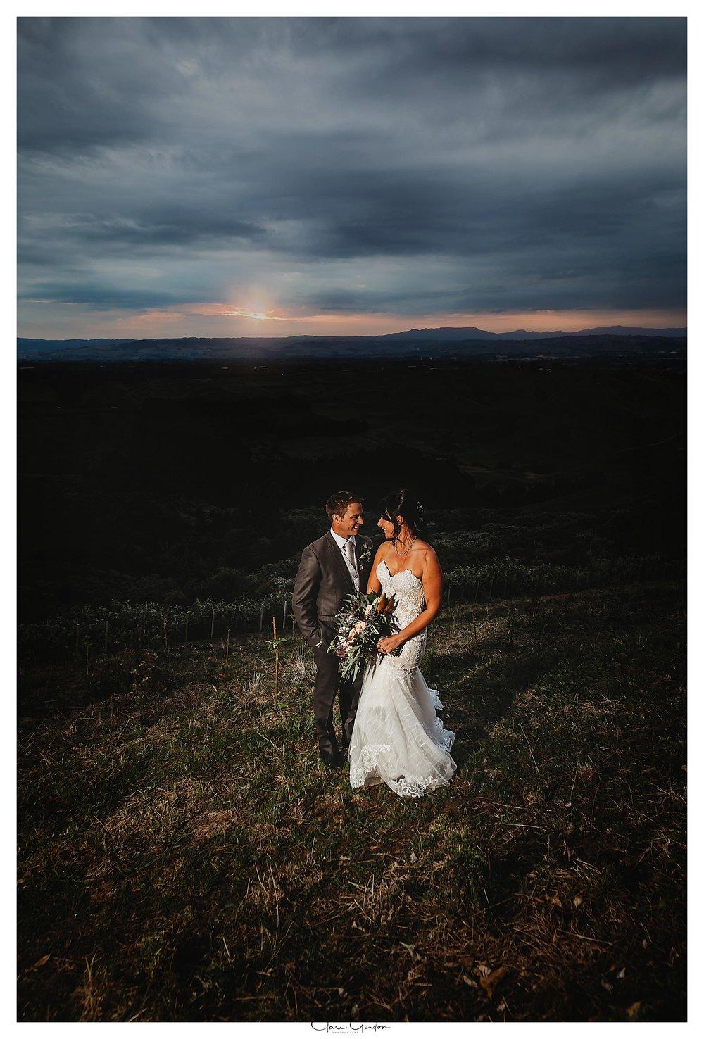 Eagle-ridge-wedding-photo-bride-and-groom-at-sunset