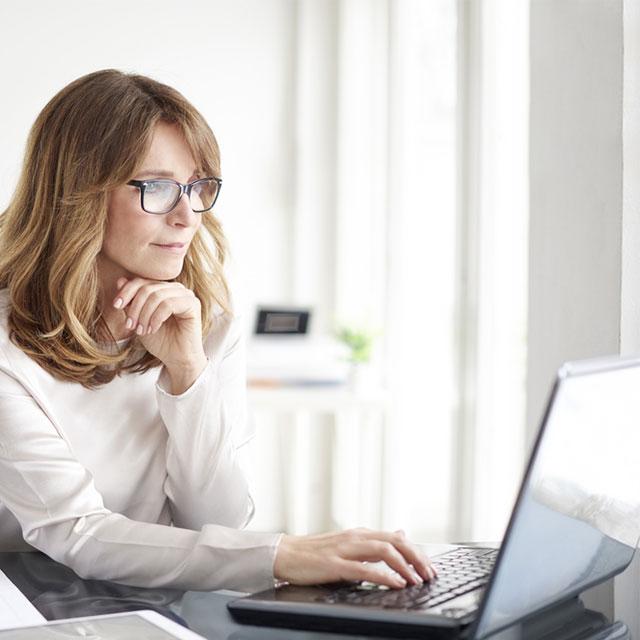 woman-on-computer.jpg